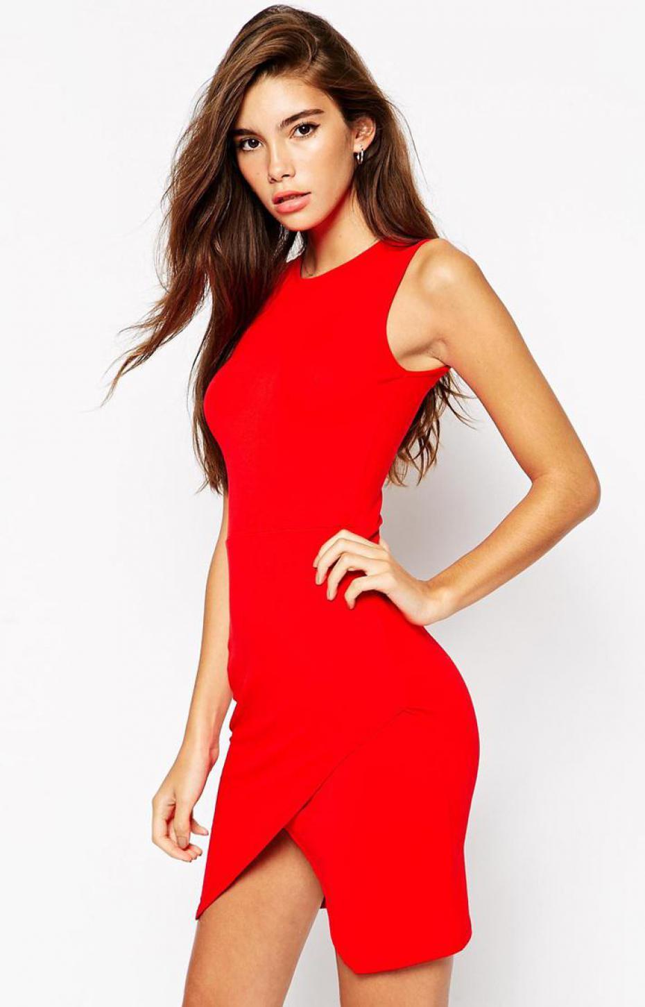 Robe rouge pour un diner ou un rendez vous romantique c - J ai decide de ne plus porter de sous vetements ...